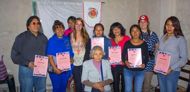 Bolivie: La radio des Bartolina Sisa, remise des certificats aux bénévoles