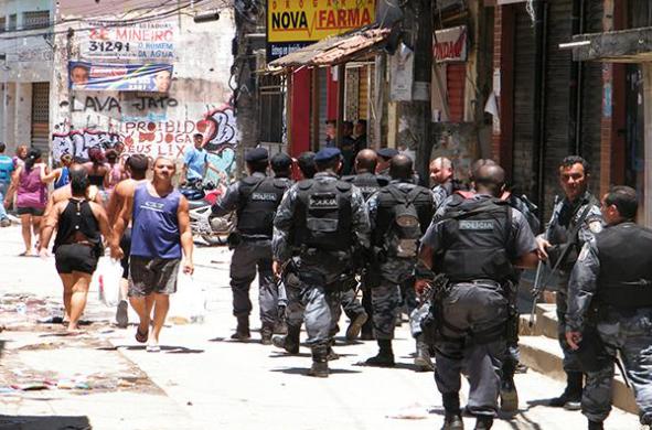 Brésil. L'armée dans les rues. État d'urgence à Rio de Janeiro (Agnese Marra/ Brecha/ À l'encontre)