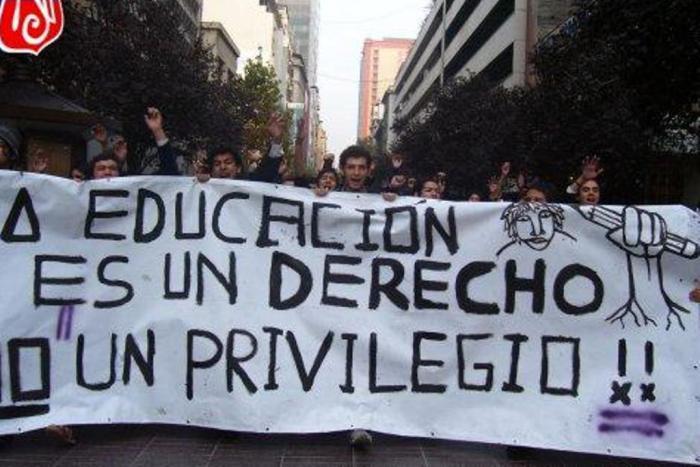 Contre la hausse des droits d'inscription des étudiants extra-européens (Fabien Archambault, Esteban Buch, Olivier Compagnon/IHEAL)