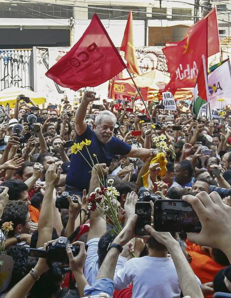Conférence-débat organisée par le Comité International de Solidarité avec Lula et la démocratie brésilienne/ samedi 12 mai 201814h00 au Lieu-Dit 6  – rue Sorbier – Paris XXème