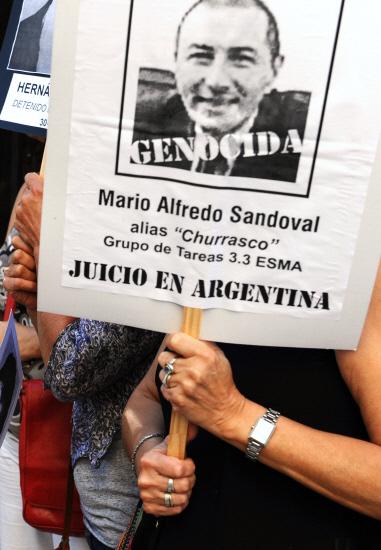 Dictature argentine. La France autorise l'extradition de l'ex-policier Mario Sandoval (Communiqués de presse et Flash Info)