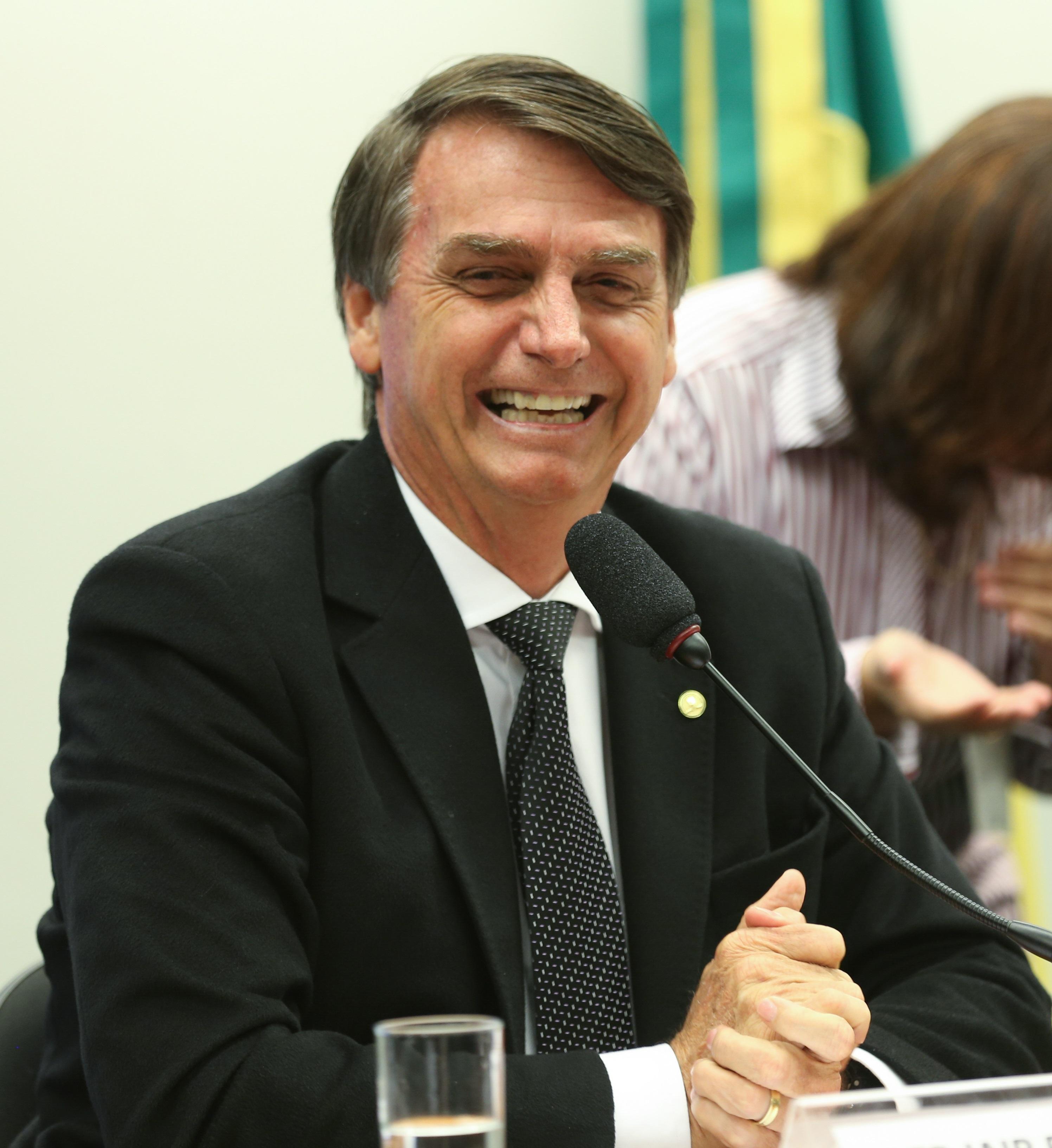 « Nous assistons en direct à la fascisation du Brésil » (Interview de Maud Chirio/BastaMag)