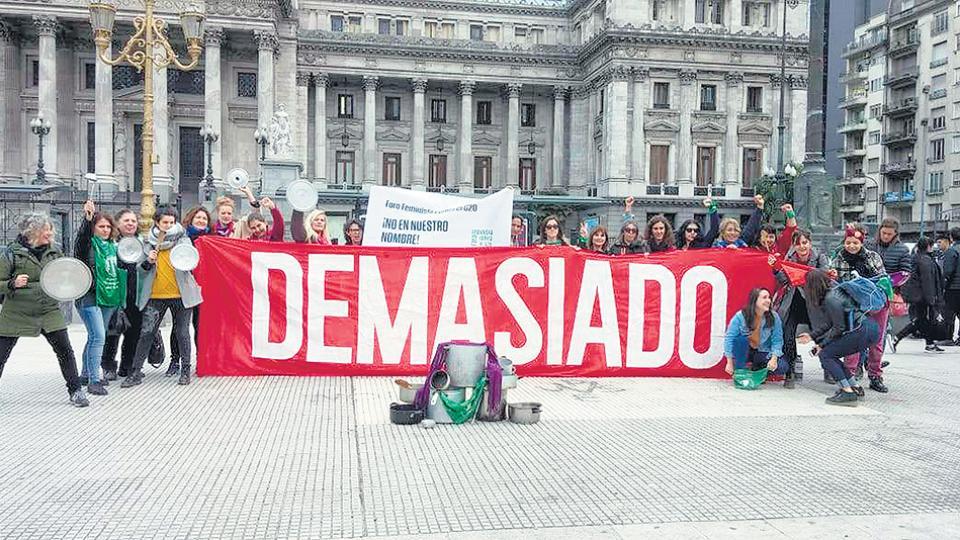 Ni victimes, ni entrepreneuses: mobilisations féministes contre le W20 à Buenos Aires (Marta Music/Blog Médiapart)