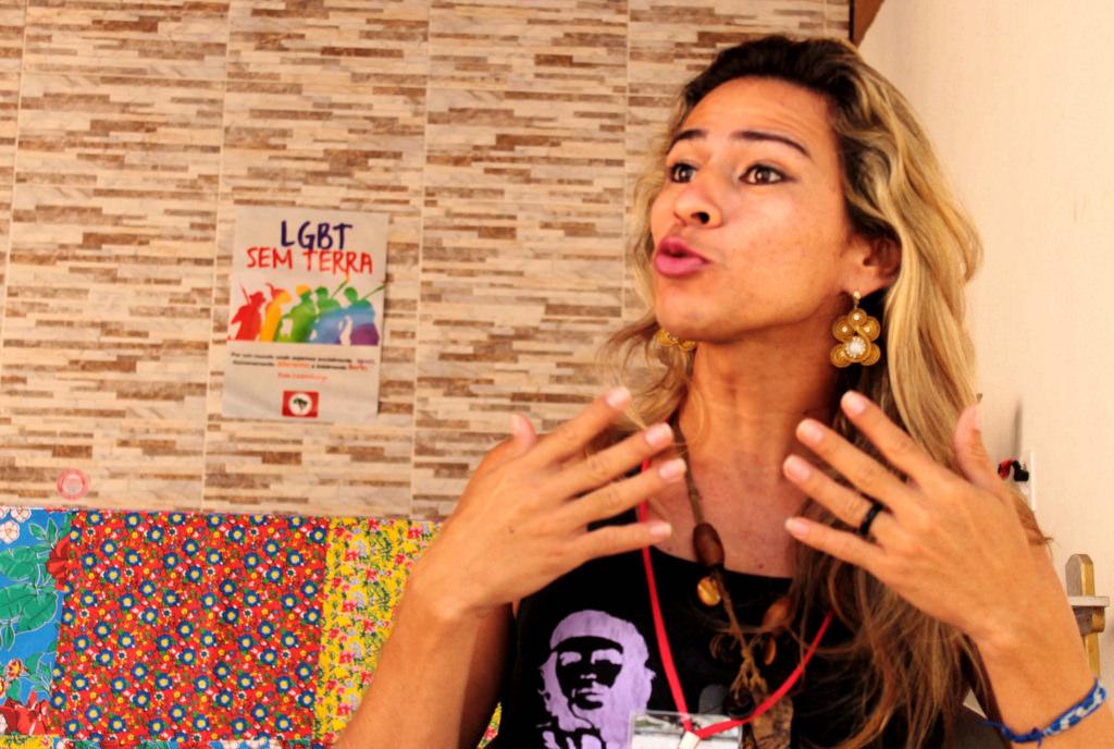 """""""Sou uma mulher trans, Sem Terra, pedagoga e comprometida com a luta pela Reforma Agrária"""""""