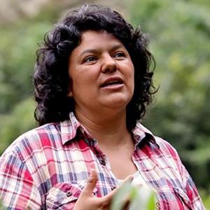 La leader indigène Berta Cáceres assassinée au Honduras/ Berta Cáceres, leader indígena hondureña,fue asesinada