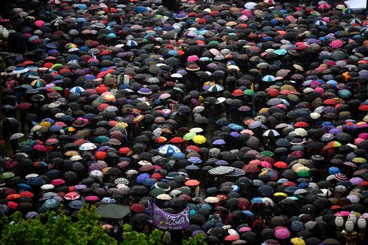 Défilé sous les parapluies à Buenos Aires