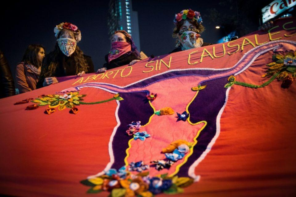 Le Chili dépénalise l'avortement thérapeutique (article de Libération)