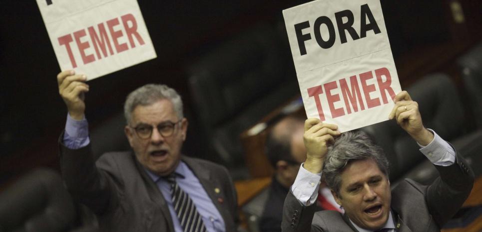 """Brésil : """"Michel Temer tient encore au pouvoir plus par crainte que par affinités"""" (interview de Franck Gaudichaud par Martin Lavielle/ L'Obs)"""