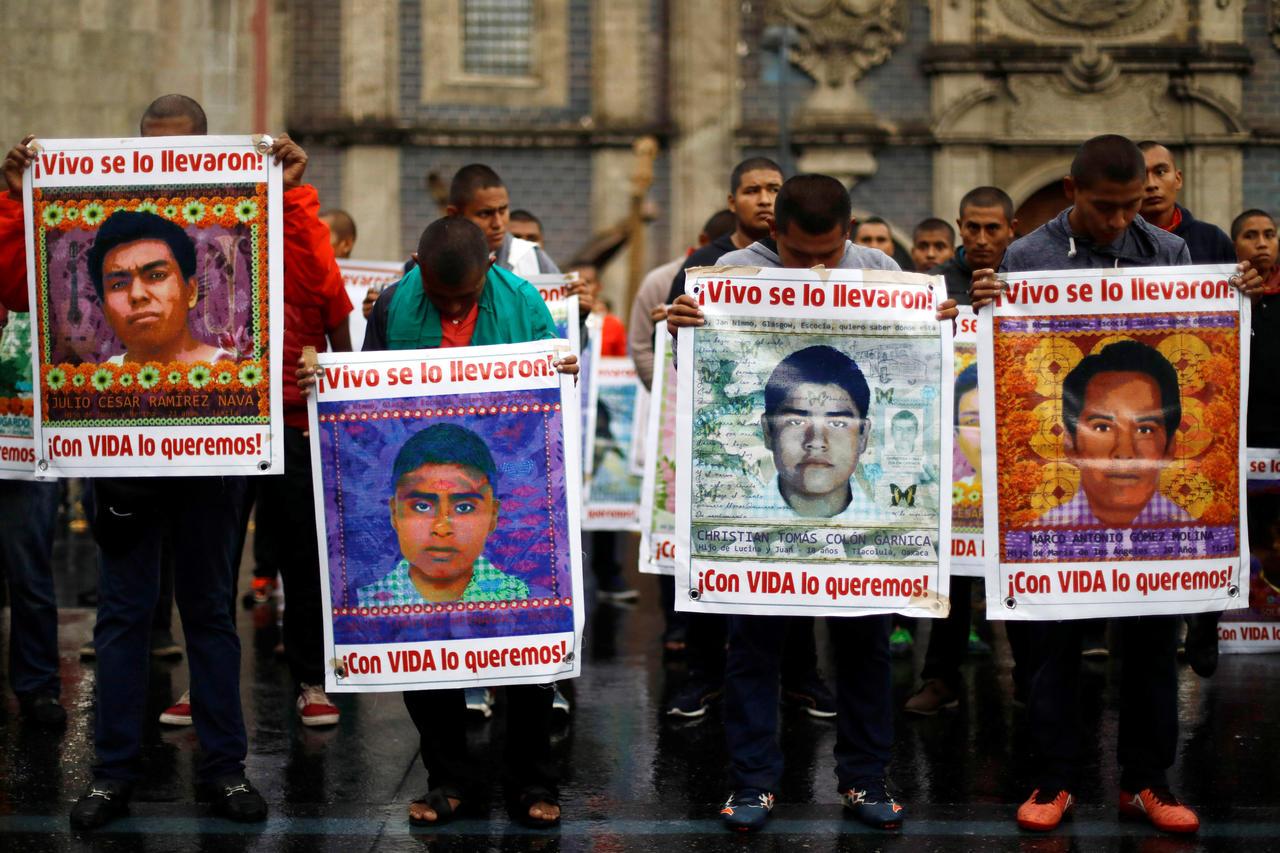 """Mexique. Étudiants disparus : trois ans après, """"rien n'est résolu"""" (le témoignage de Sergio Ocampo/ Sabine Grandadam – Courrier International)"""