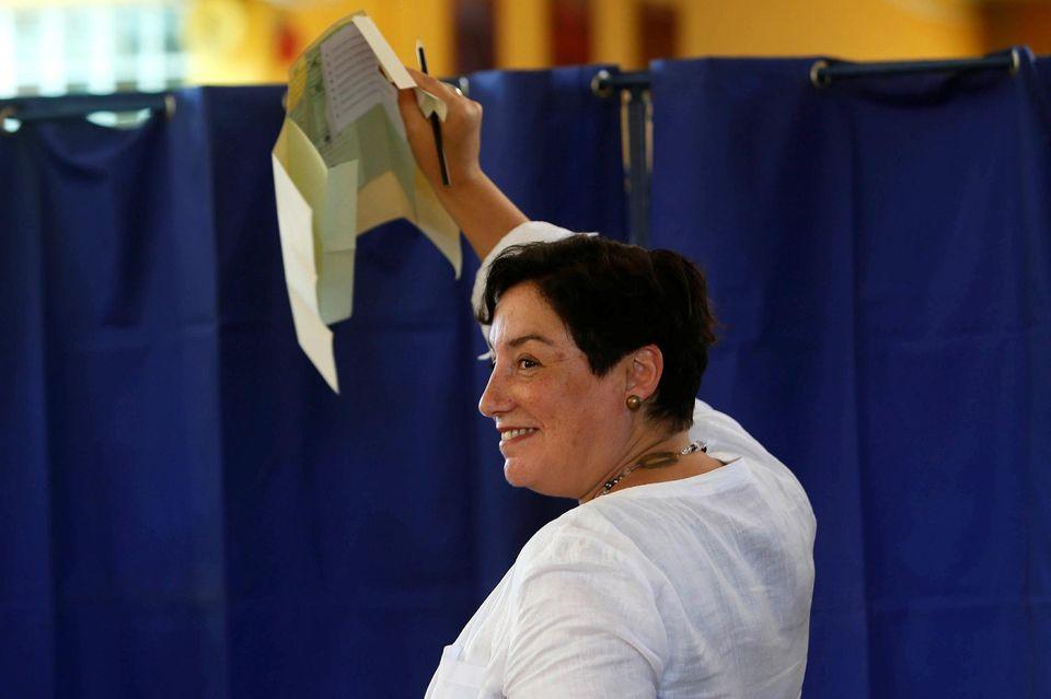 La gauche radicale joue les trublions dans la présidentielle chilienne (Justine Fontaine/ Libération)