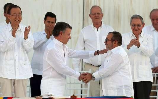 Colombie : « Le processus de paix avec les FARC s'est embourbé » (Jean-Jacques Kourliandsky/ Le Monde)