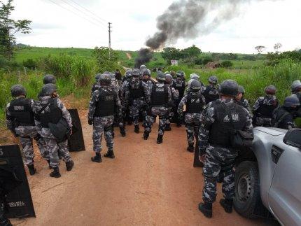 Les 300 familles du campement des travailleurs sans terre « Hugo Chávez » expulsées manu militari au Brésil (article du Mouvement des Sans Terre)