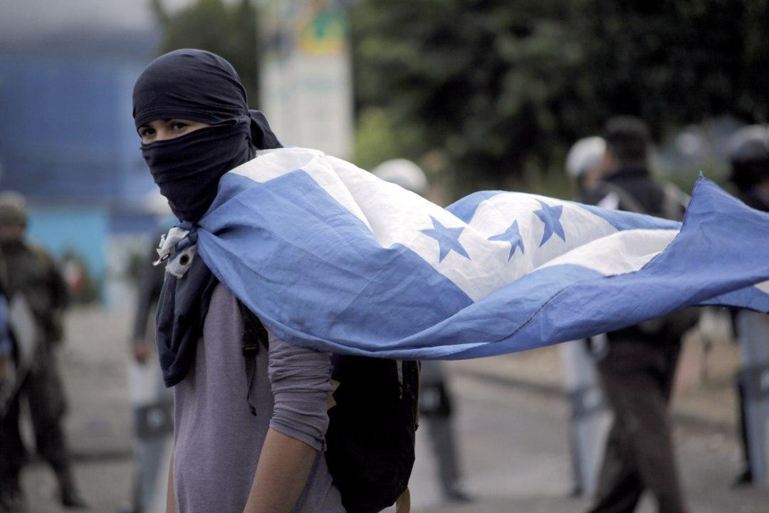 Honduras   « Le peuple a le droit de recourir à l'insurrection pour défendre l'ordre constitutionnel »