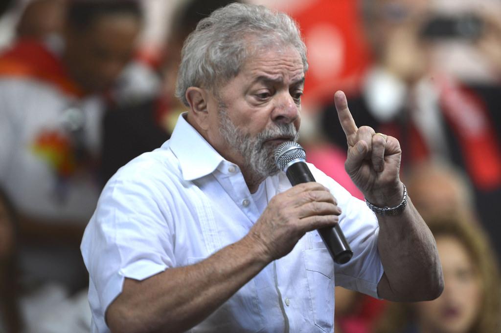 Lula : une situation alarmante au Brésil/ Lula e o Brasil: uma situação alarmante (Tribune d'un collectif de personnalités politiques, publiée sur Libération