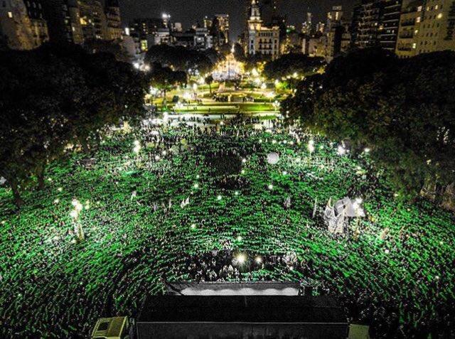 Argentine : Les foulards verts envahissent les rues de Buenos Aires pour exiger « l'avortement légal, maintenant ! » (Communiqué du collectif Ni Una Menos)