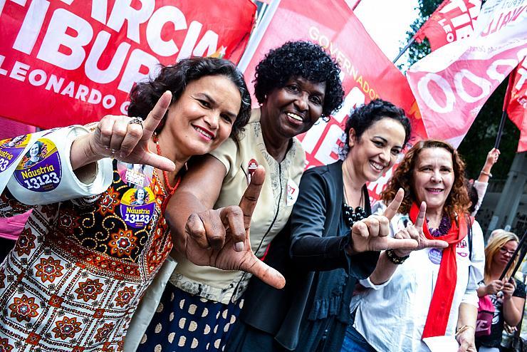 Au Brésil, un million de femmes s'unissent contre le candidat d'extrême-droite (Rachel Knaebel/ Bastamag)