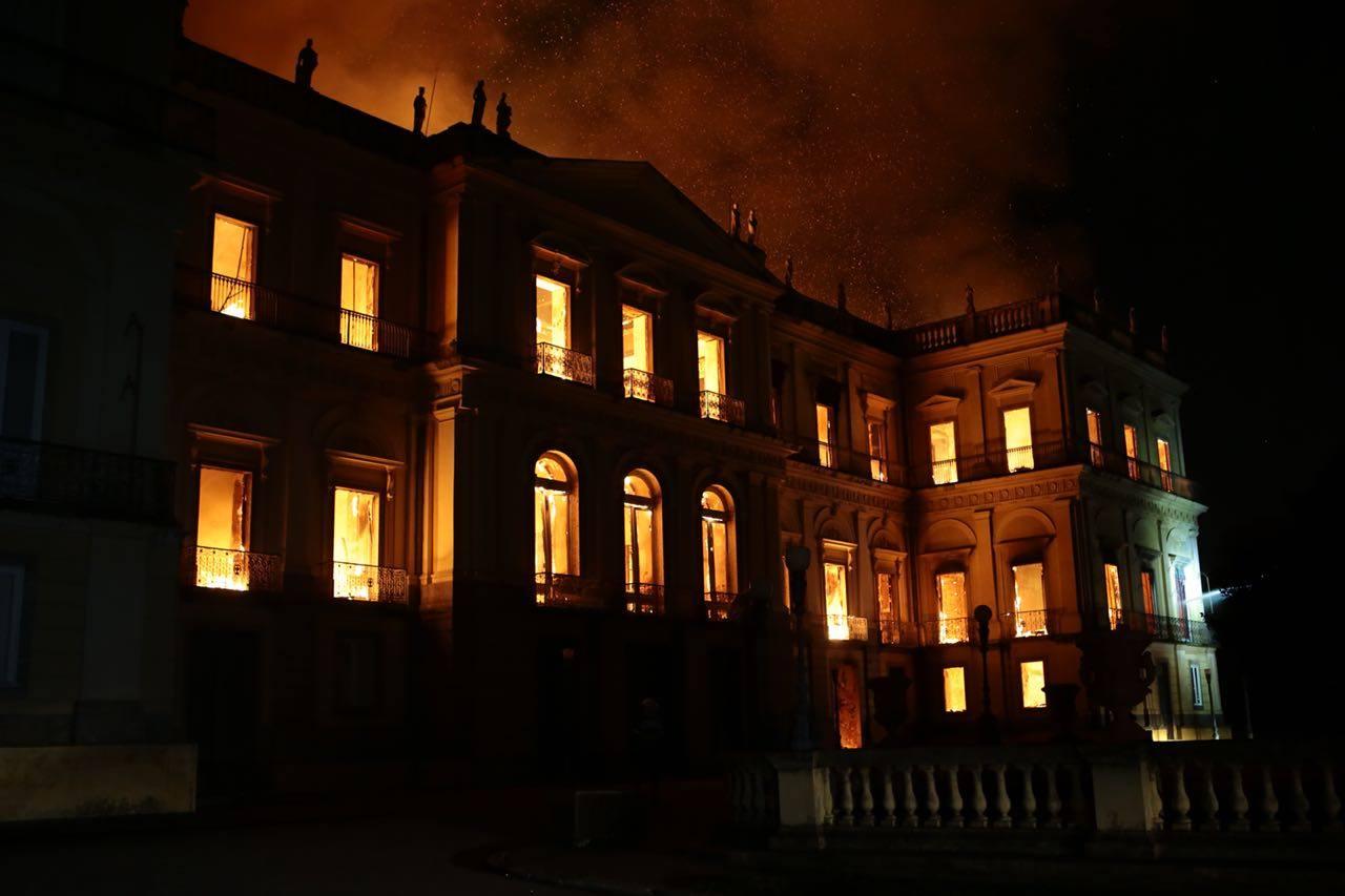 Incendie du Musée National de Rio de Janeiro (Autres Brésils/ Le Monde)