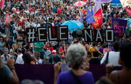 Le Brésil: un mois après l'arrivée au pouvoir de Bolsonaro. (interview de Laurent Delcourt du CETRI/RCF)