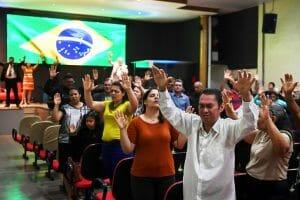 Au Brésil, l'extrême droite portée par un souffle évangélique (Chantal Reyes/ Libération)