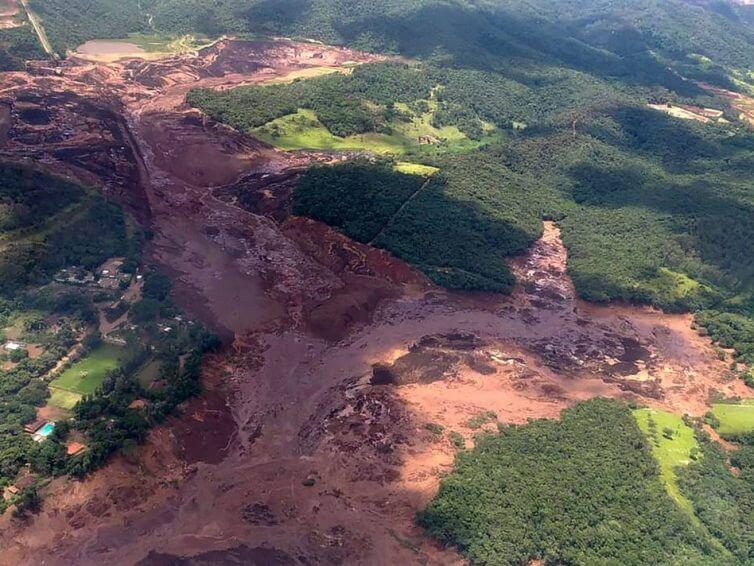 """Brumadinho: """"En Brasil, el modelo de minería está hecho para las empresas"""" (RFI en español/ una entrevista en video de Leticia Oliveira del Movimiento de Afectados de Represas de Brasil por  Braulio Moro"""