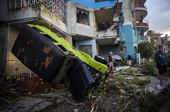 Campagne de dons pour venir en aide aux victimes de la tornade qui a touché la Havane.