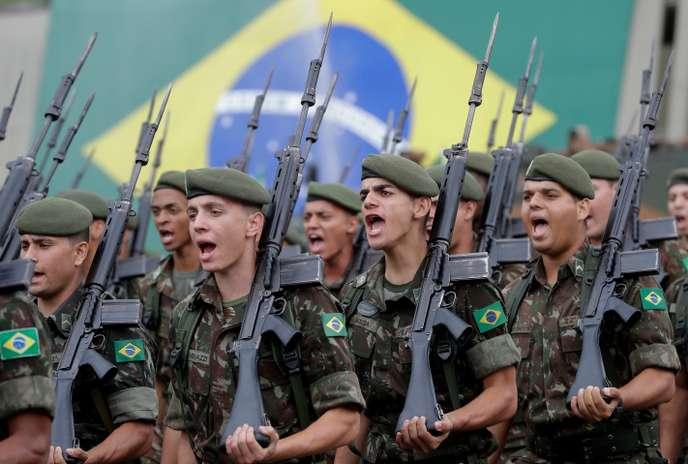 Le Brésil de Bolsonaro se divise sur l'«anniversaire» du coup d'État militaire (Chantal Rayes/ Libération)