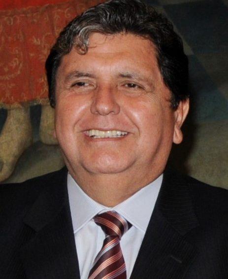 Pérou : suicide de l'ex-président Alan Garcia et affaire Odebrecht (articles/ Le Monde)
