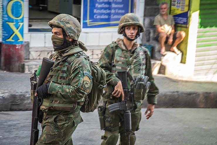 À Rio, les forces de l'ordre tuent 5 personnes par jour depuis le début de l'année (Glauber Sezerino/ Bastamag)