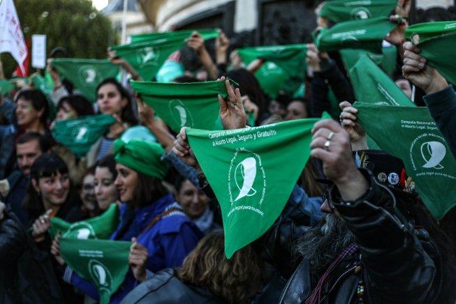 Des « Foulards verts » en soutien à la lutte pour le droit à l'avortement en Argentine (Tifenn Marin/ Révolution Permanente)