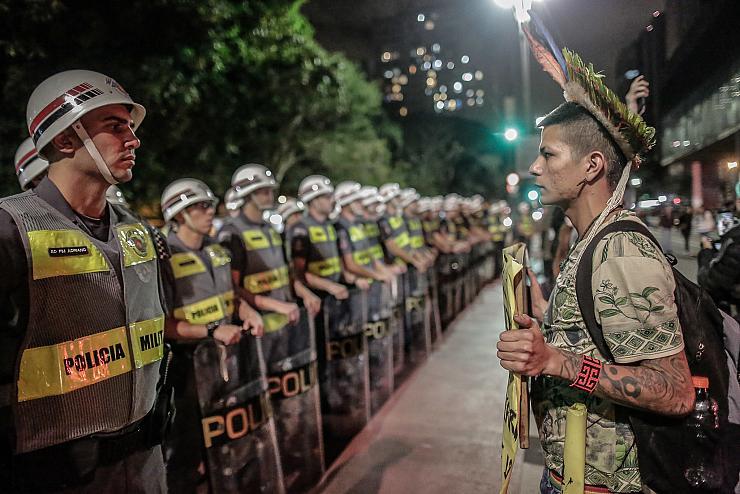 Propriétaires terriens, industriels, ministre corrompu : qui sont les pyromanes de l'Amazonie brésilienne? (Yvan Du Roy/ Bastamag)