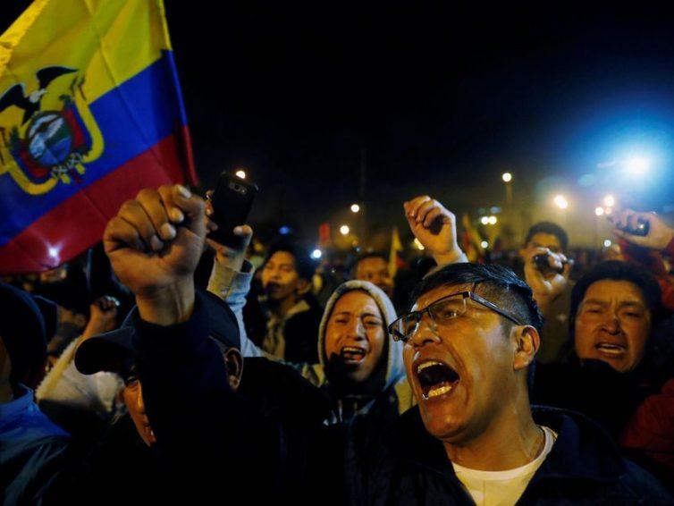 Amérique latine : le bloc néolibéral vacille sous le coup des révoltes (Vincent Arpoulet, Randy Nemoz, Nicolas Netto Souza et Pablo Rotelli / Le vent se lève)