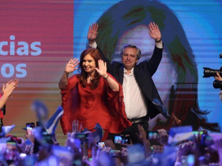 Alberto Fernández remporte la présidentielle en Argentine dès le premier tour (Le Monde avec AFP et Reuters / RFI)