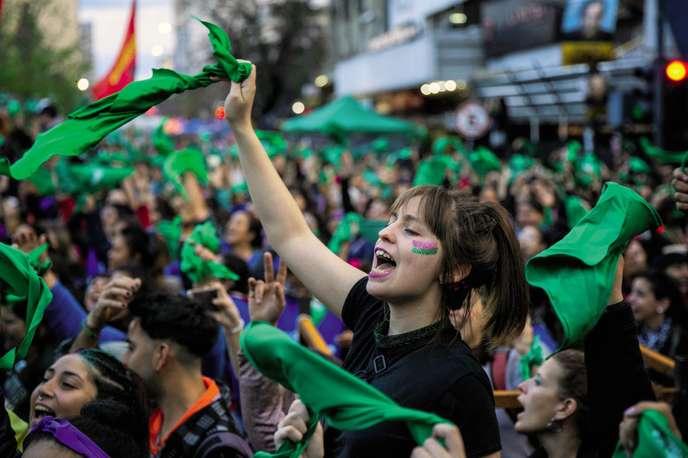En Argentine, les femmes se mobilisent pour le droit à l'avortement (Angelina Montoya/ Le Monde)