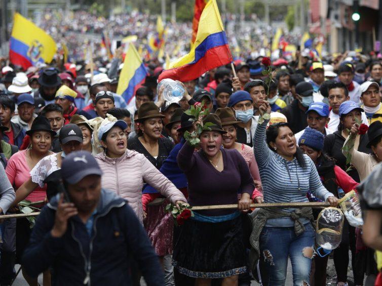 Crise en Équateur: dossier de presse et analyses