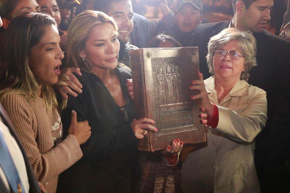 """Résultat de recherche d'images pour """"Bolivie, Jeanine Áñez"""""""