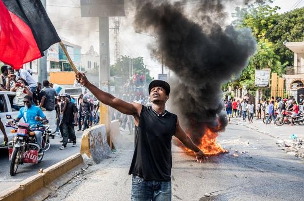 Haïti agonise et le monde se tait (Amaury Perrachon/HuffPost)