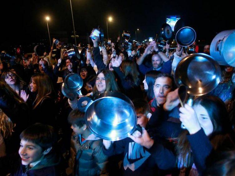 La morale des soulèvements ? Classes moyennes, économie morale et révoltes populaires (Frédéric Thomas / CETRI)