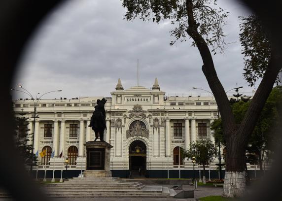 Législatives au Pérou: claque pour le fujimorisme, vers un Parlement éclaté (AFP)