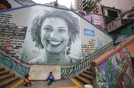 Féminicide politique : les étranges liens du clan Bolsonaro avec le meurtre de Marielle Franco (Guy Pichard/ Basta)