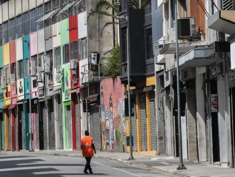 Covid-19: quels dangers pour l'Amérique latine?(interview  de Janette Habel et Christophe Ventura / Marie-France Chatin / RFI)