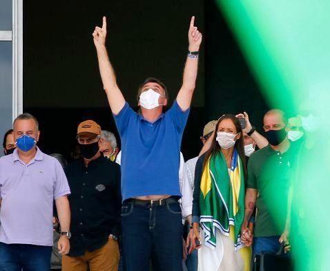 Le Brésil dans le gouffre du Covid (entretien avec Marcello Barcinski par  Felipe Brandi / La vie des idées)