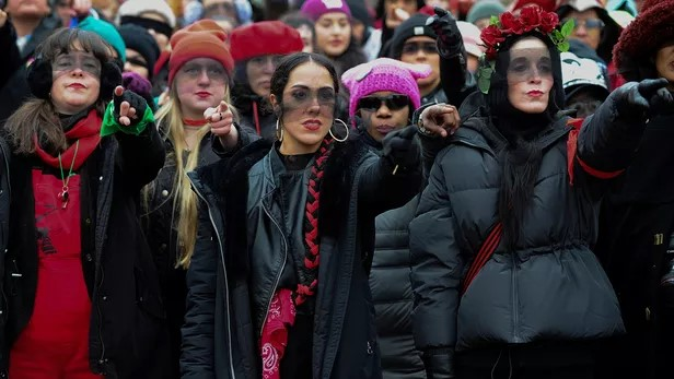 Chili: la police poursuit un collectif féministe pour incitation à la violence (AFP/ Le Figaro)