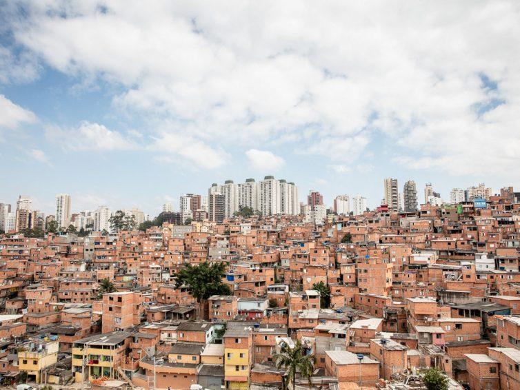 Autodéfense sanitaire dans les favelas de São Paulo (Erick Corrêa / Lundi Matin / Traduction: Rosa Basiluzzo)