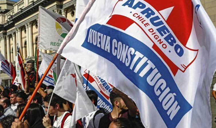 Chili : à la veille du référendum (interview de Franck Gaudichaud et revue de presse)
