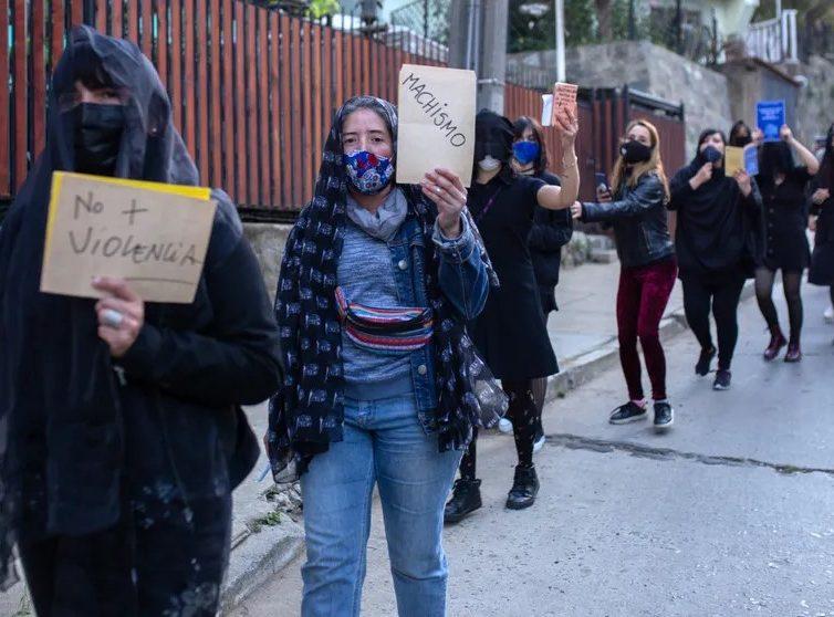 Révolte de 2019, référendum et femmes au Chili (Revue de presse)