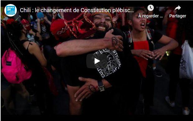 Chili : le changement de Constitution plébiscité dans les urnes (France 24 avec AFP).