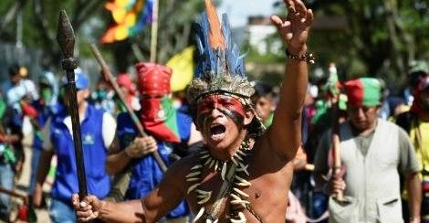 Des communautés indigènes manifestent en Colombie, au Chili et en Bolivie (AFP / Le Temps)
