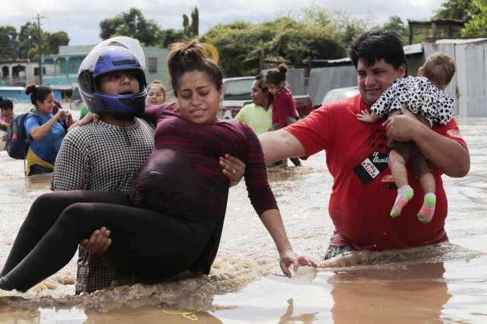Ouragan Eta : plus de 180 morts au Panamá, au Honduras, au Costa Rica et au Nicaragua (Le Monde / AFP)