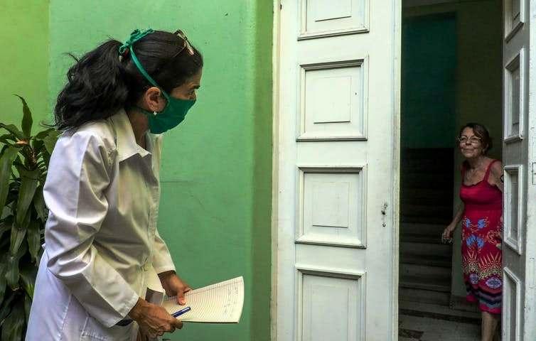Face au Covid-19, Cuba s'inspire de ses méthodes de lutte contre le Sida (Lucie Dupressoir / Le Figaro)