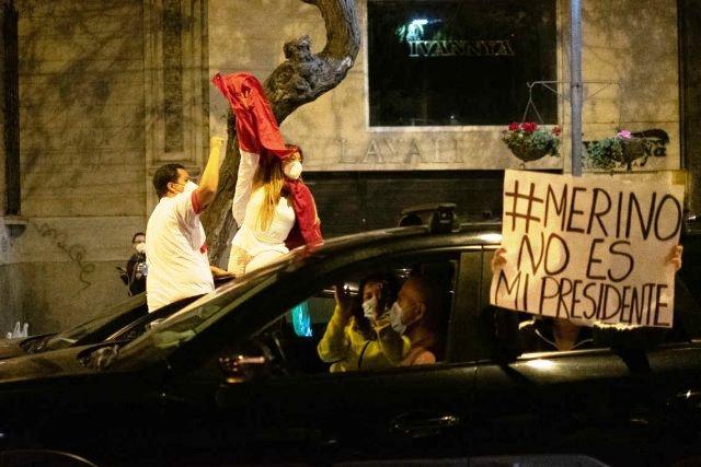 """Merino no es mi presidente"" : le Pérou face au coup d'État parlementaire (Sonia Le Vallois – MPP / Ritimo)"